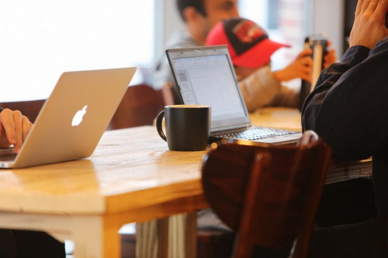 laptops at coffee shop